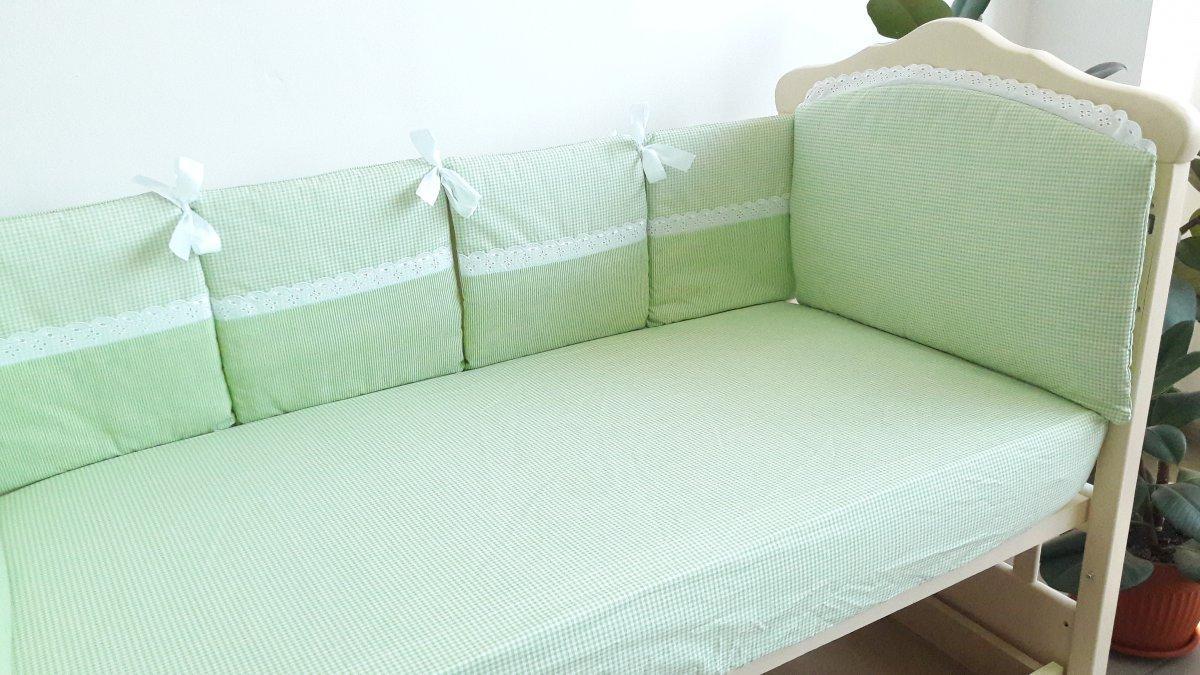 """Защитный бампер в детскую кроватку """"Кристина"""" салатовый"""