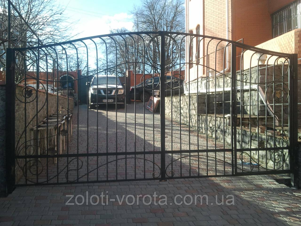 """Кованые ворота со встроенной калиткой """"Виноградные"""""""