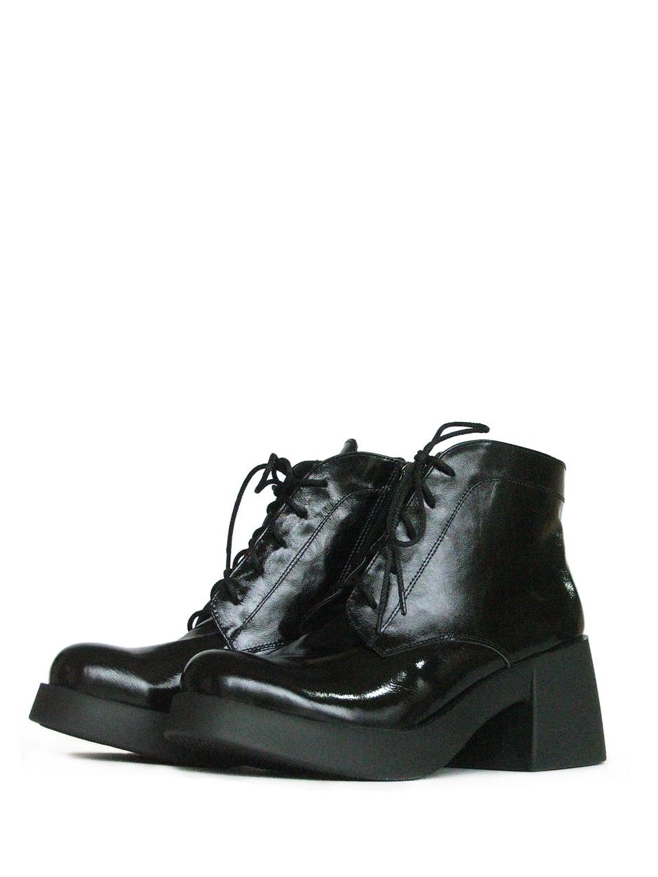 Лаковые кожаные ботинки на конусом каблуке