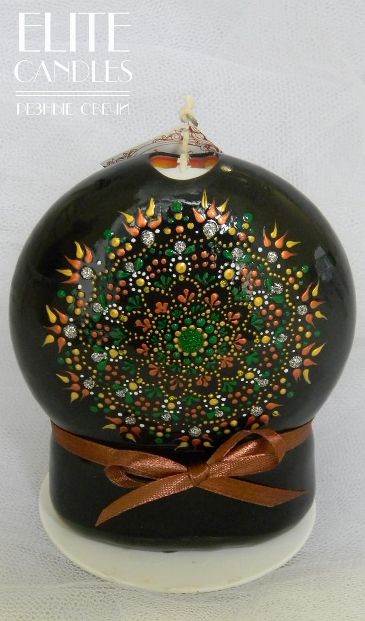 Свеча с точечной росписью в зеленом цвете