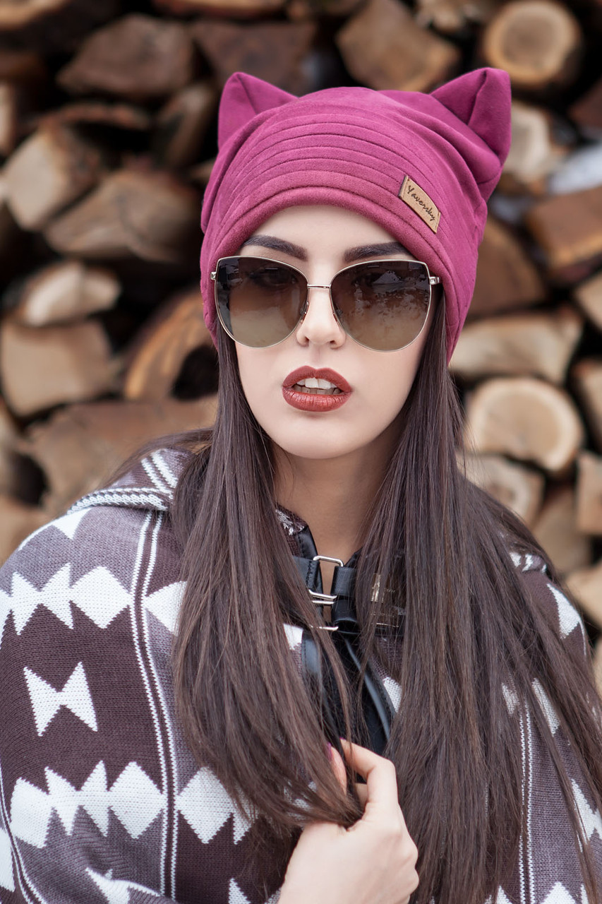 Демисезонная женская замшевая шапка с ушками
