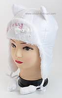 Теплая шапка для девочки Котенок белого цвета