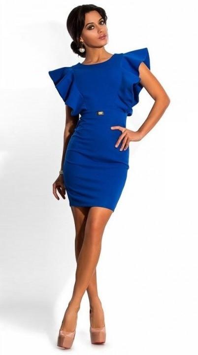 Синее платье футляр с воланами на плечах