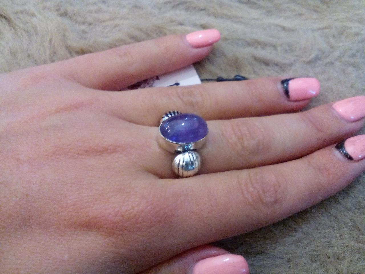 Кольцо аметист в серебре. Кольцо овальное с аметистом 17 размер Индия