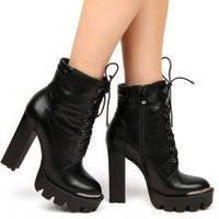 Как определить характер женщины по ее обуви?