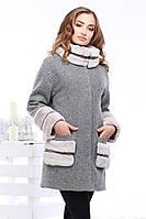 Красивое пальто из шерсти прямого фасона с меховой отделкой