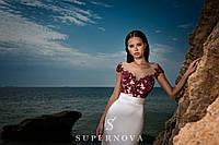 Вечернее платье силуэта «годе» с юбкой-шлейф