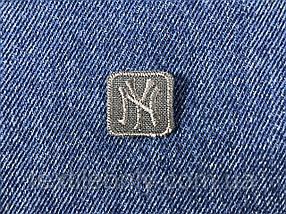 Нашивка New York s квадрат колір сірий 20x20 мм