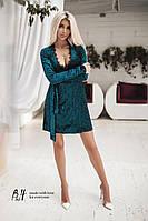 Вечернее бархатное платье на запах с поясом