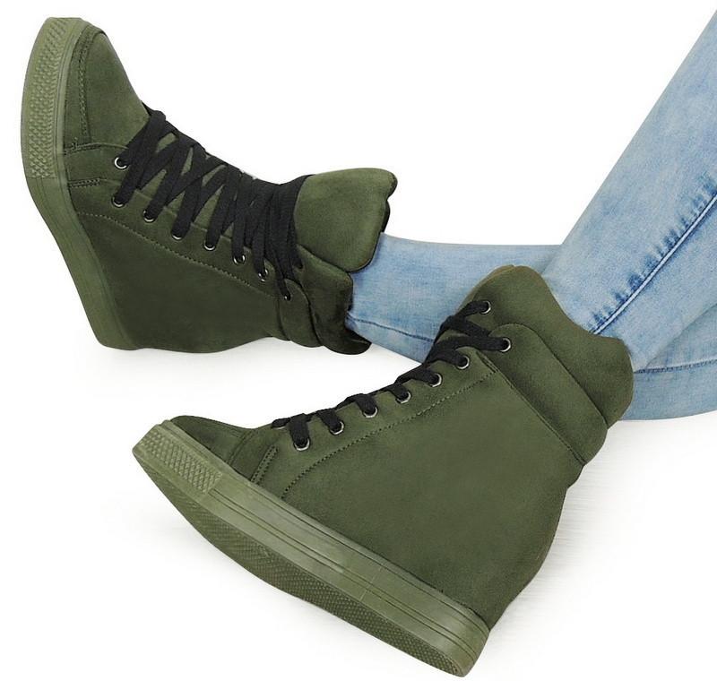Женские сникерсы на шнуровке с Польши зелёного цвета