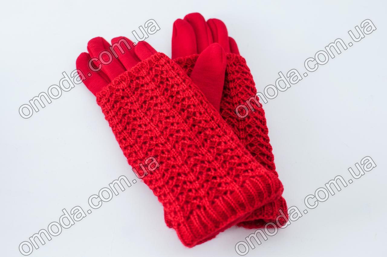 Женские трикотажные перчатки с вязкой красные