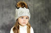 Зимняя шапка с меховым помпоном