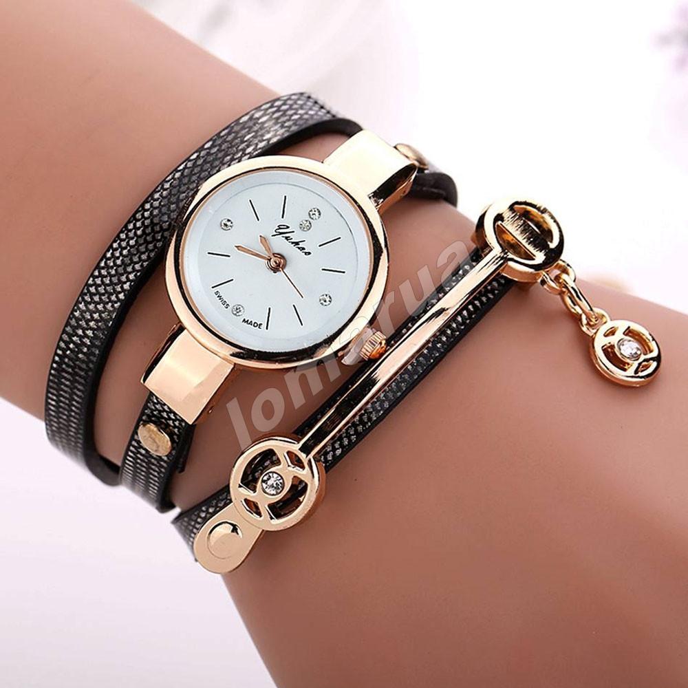 Женские часы-браслет со стразами и подвеской 2