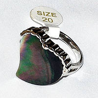 Оригинальное кольцо с перламутром