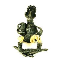 Фигурка керамическая ручной работы Ворона с бокалом