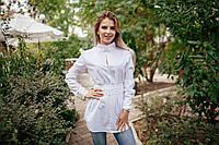 Женская блузка с поясом и кружевом