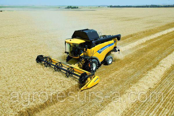 Комбайн New Holland CX 6.90 + зерновая жатка New Holland