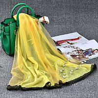 Стильный легкий женский шарф с кружевом желтого цвета