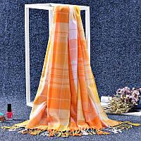Стильный легкий женский шарф в клетку оранжевого цвета
