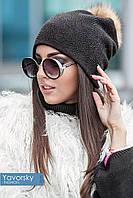 Женская шапка с бубоном из меха (чёрный)