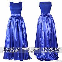Вечернее атласное платье в пол с поясом