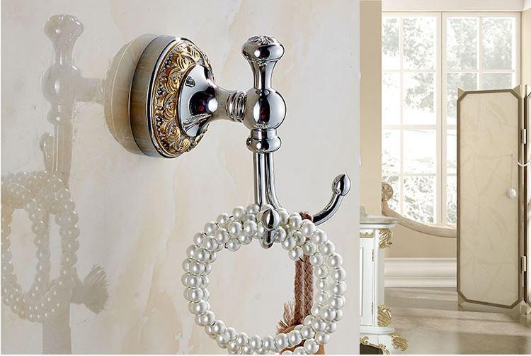 Вешалка крючок в ванную или на кухню 0455
