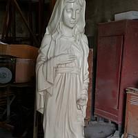 Скульптура скорбящей женщины для кладбища