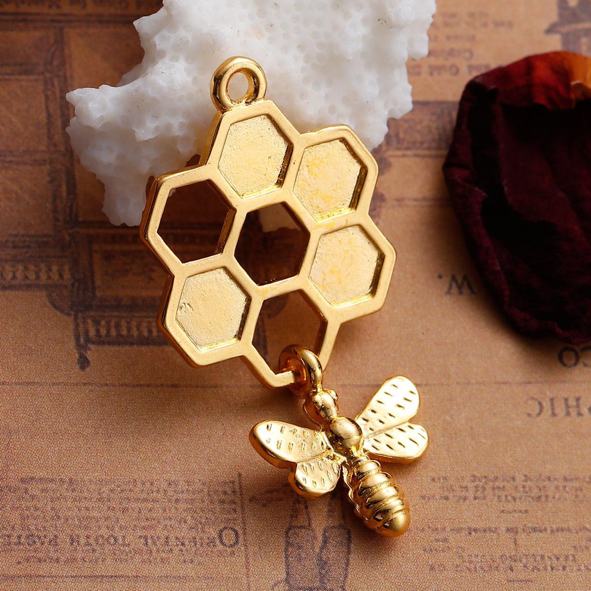 """3D Подвеска, Цинковый сплав,  """" Соты """", Позолоченный, Пчела с узором, 46мм x 24мм"""