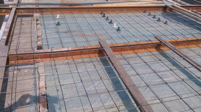 Применение стеклопластиковой арматуры для сооружения каркаса армосетки для плиты перекрытия 1