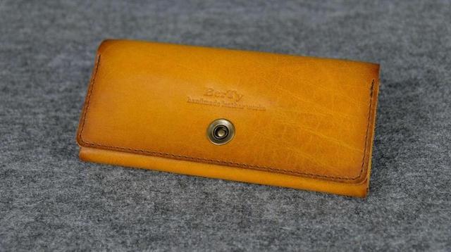Кожаный кошелек на 12 карточек