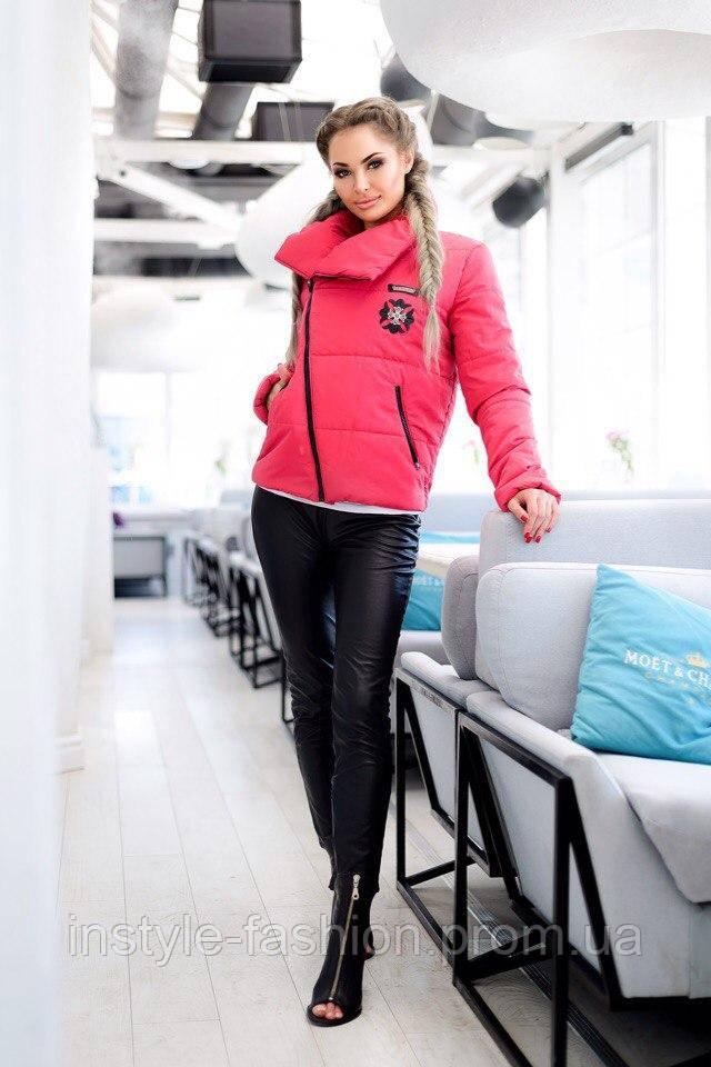 Женская куртка косуха на синтепоне красная