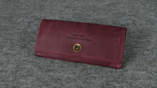 Кожаный кошелек на 12 карточек бордовый