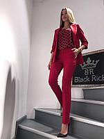 Костюм женский брючный Тройка Just Women Красный 42 (S)