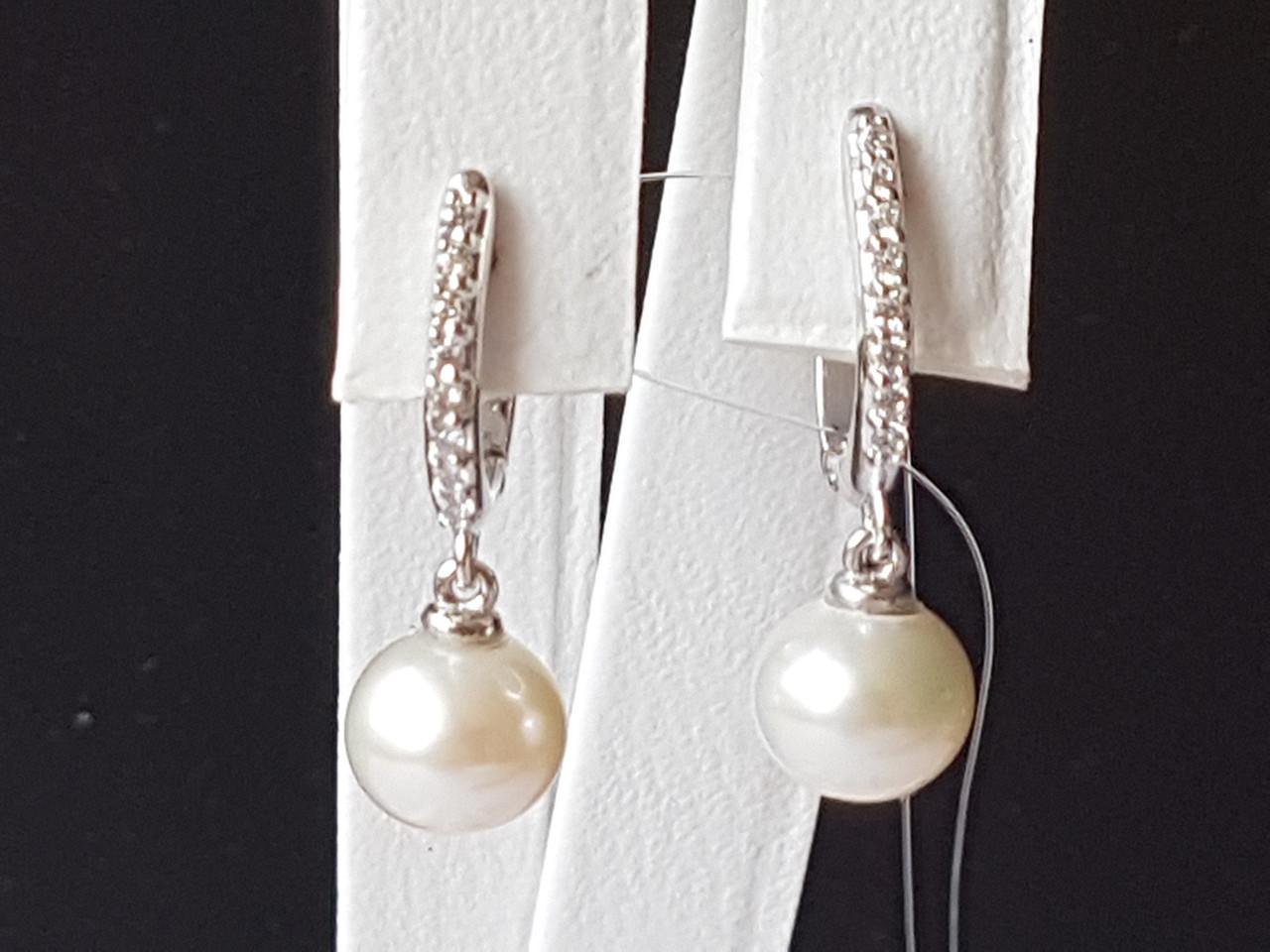 Серебряные серьги с жемчугом и фианитами. Артикул 902-00734-10