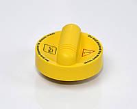 Крышка маслозаливной горловины на Renault Kangoo II 2008-> 1.5dCi — Renault (Оригинал) - 8200800258