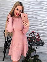 Красивое вязанное платье с жемчугом тренд сезона 2017 года