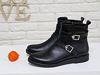 Классические женские Ботинки на низком ходу, из натуральной кожа черного цвета