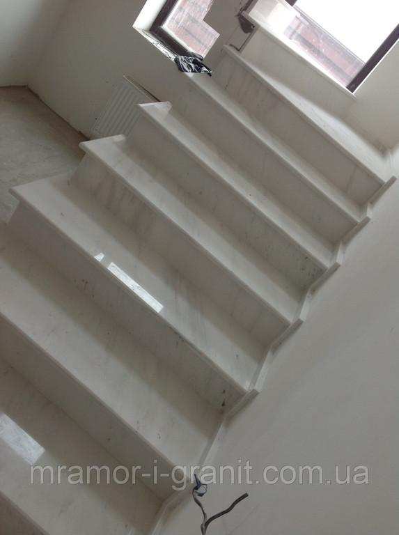 Мраморная лестница 2