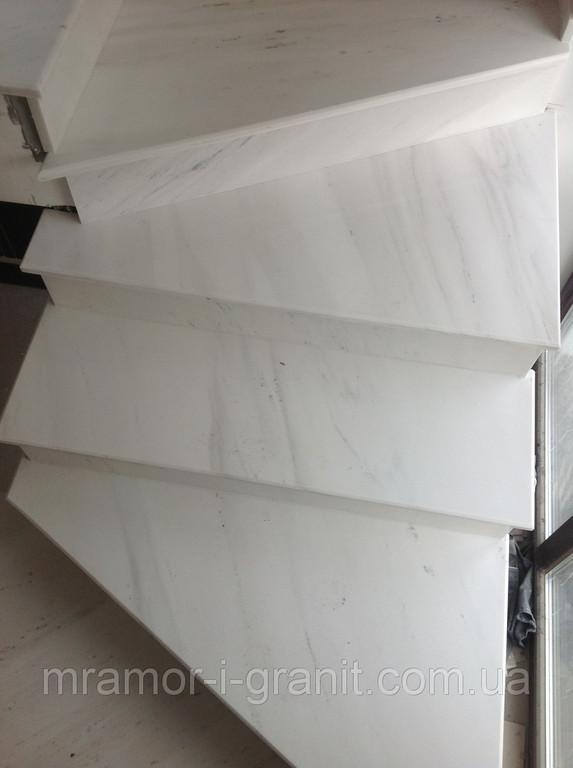Мраморная лестница 3