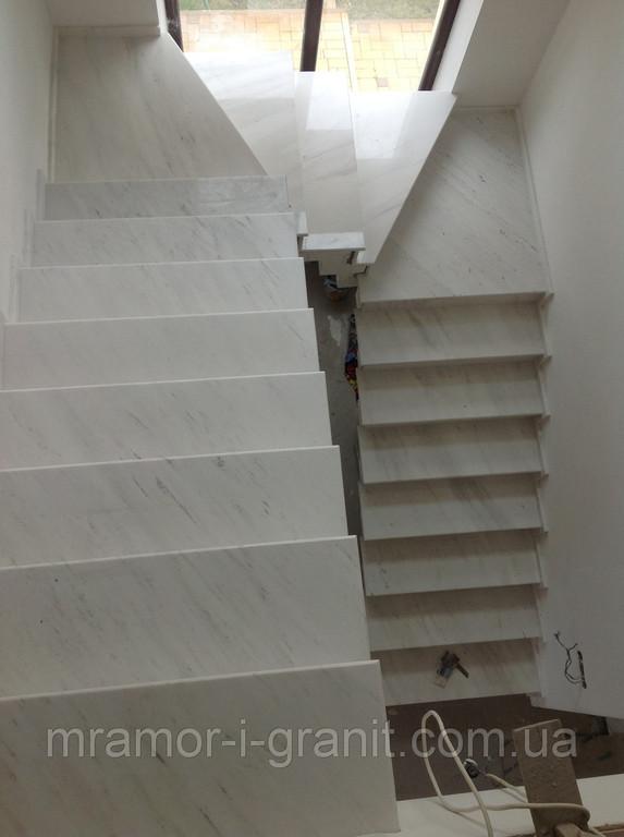 Мраморная лестница 5