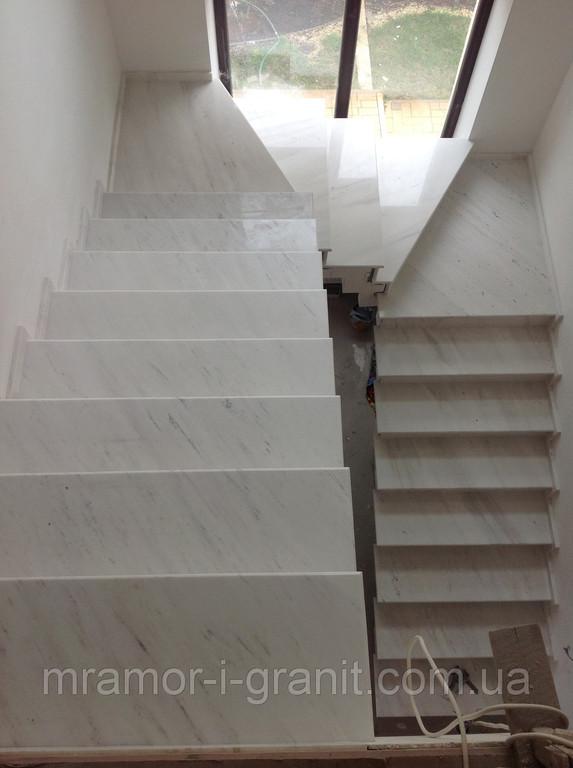 Мраморная лестница 6