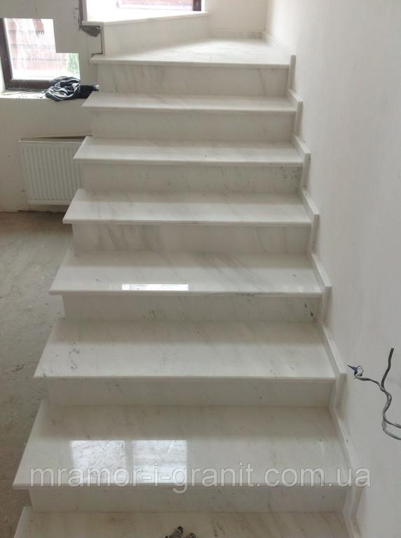 Мраморная лестница 8