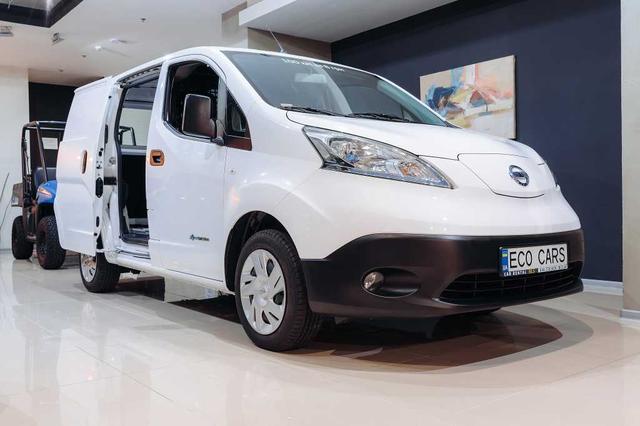 Электрический Nissan e-NV200