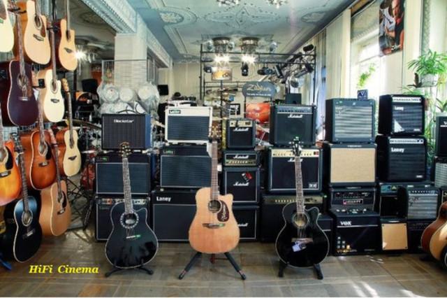 Гитары, гитарное оборудование и аксессуары