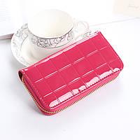 Женский маленький лаковый кошелек розовый