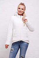 Женская демисезонная белая куртка на молнии с капюшоном и фактурной удлиненной спинкой Куртка 17-25