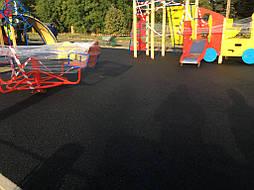 Устройство бесшовного покрытия для детской площадки 7