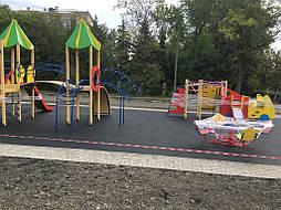 Устройство бесшовного покрытия для детской площадки 9