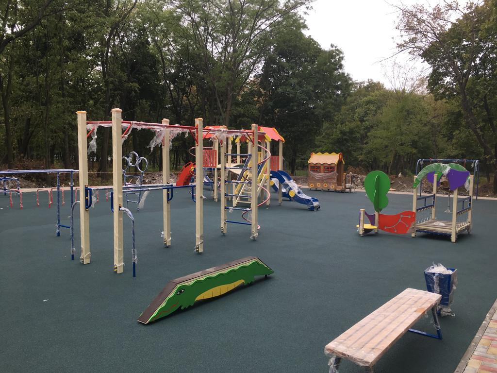 Травмобезопасное покрытие для детской площадки