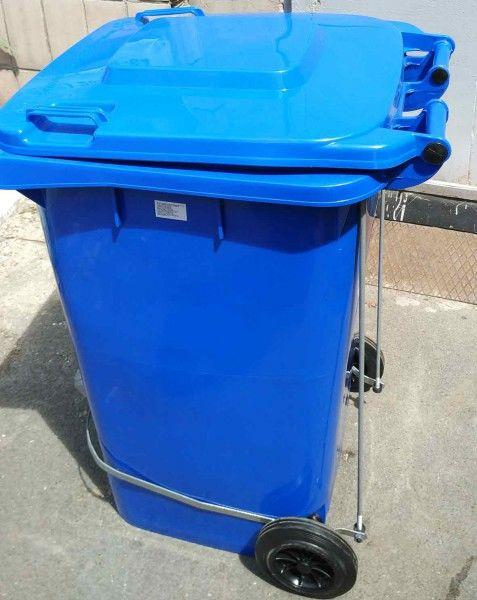 Контейнер для мусора 240 литров бак с педалью на колесах синий емкость 200 250 300